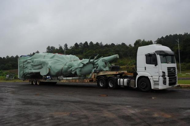 Mesmo com mau tempo, transporte de estátua da Havan é retomado Porthus Junior/Agencia RBS