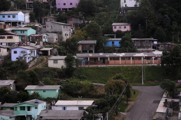 Na Atiliano Pinguelo, moradores precisam sair para obra começar Marcelo Casagrande/Agencia RBS