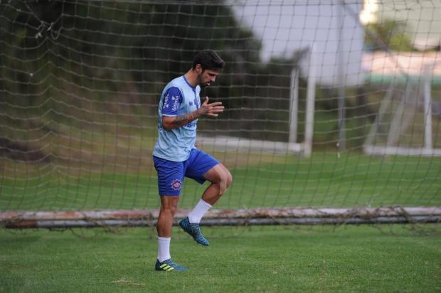 Meia Rafael Gava está garantido no Caxias para disputa da Série D Antonio Valiente/Agencia RBS
