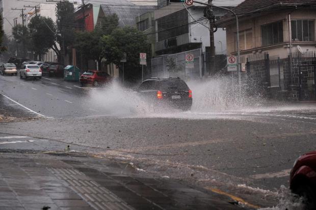 Temporal causa estragos em Caxias do Sul Marcelo Casagrande/Agencia RBS