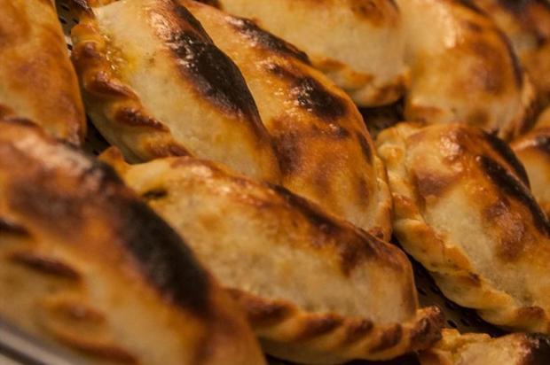 Na cozinha: como fazer as clássicas empanadas Divulgação/Paola Carosella