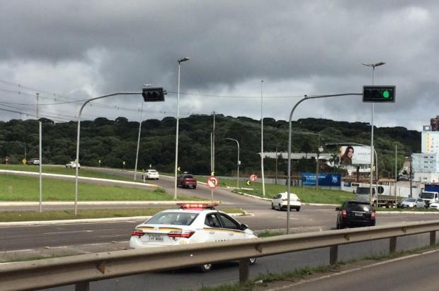 Semáforos de Farroupilha irão identificar motoristas que avançam sinal ou param sobre a faixa André Fiedler/Divulgação