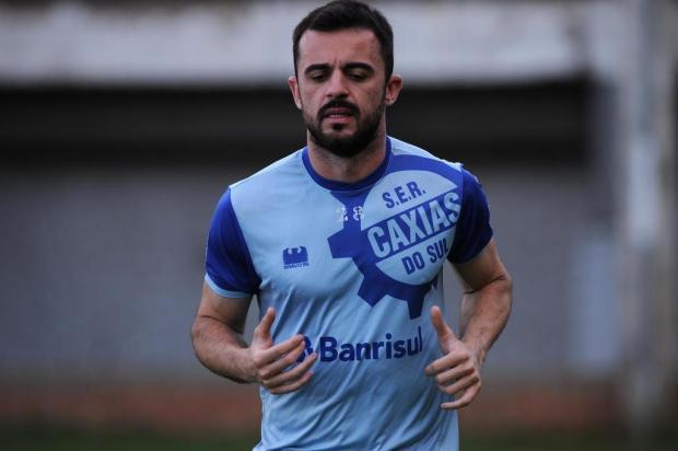 Volante do Caxias destaca a manutenção da base titular e projeta time forte na Série D Antonio Valiente/Agencia RBS