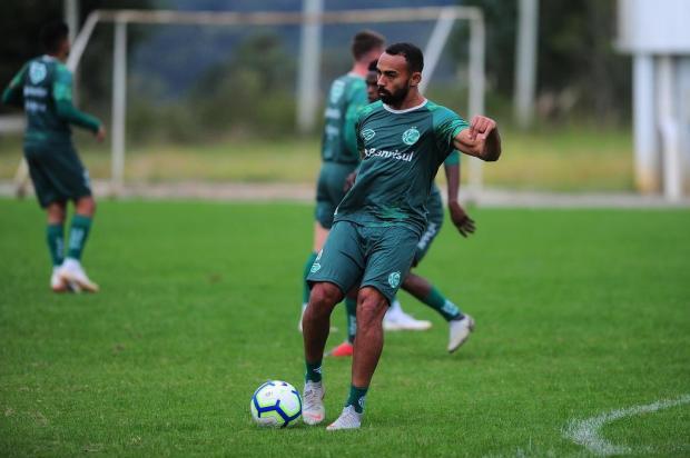 Atacante Dalberto desconhece interesse de outros clubes e garante que fica no Juventude Porthus Junior/Agencia RBS