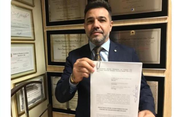 Deputado Marco Feliciano quer impeachment de Mourão Twitter/Reprodução