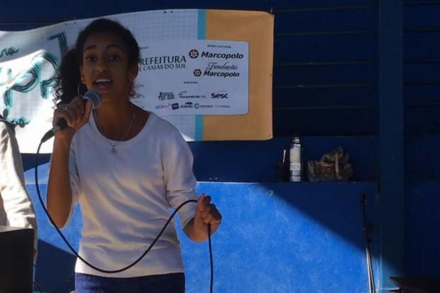 VÍDEO: Conheça a poeta que chamou atenção no projeto Hip Hop nas Escolas Reprodução/Reprodução