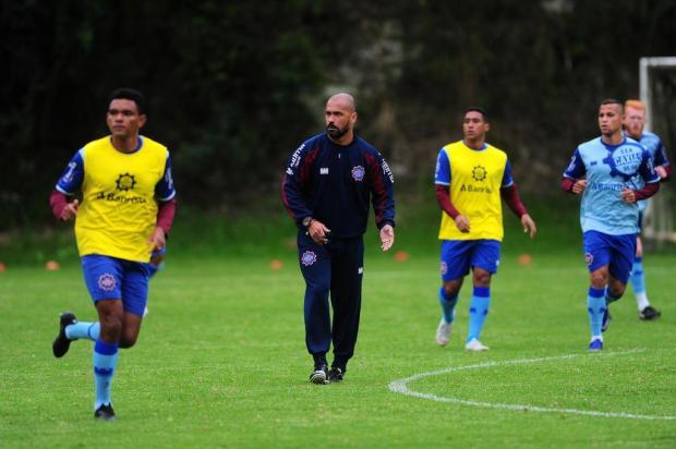 Técnico Pingo destaca manutenção da base e qualidade nas contratações do Caxias Porthus Junior/Agencia RBS