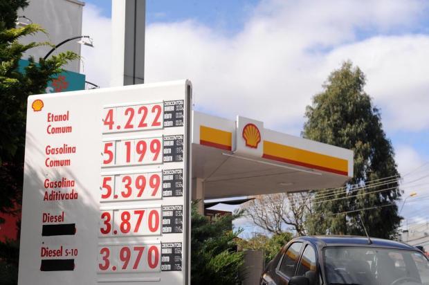 Em Caxias, gasolina bate nos R$ 5 e deve subir Antonio Valiente/Agencia RBS