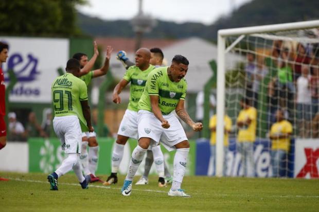 Caxias acerta com o zagueiro Yuri para a disputa da Série D Félix Zucco/Agencia RBS