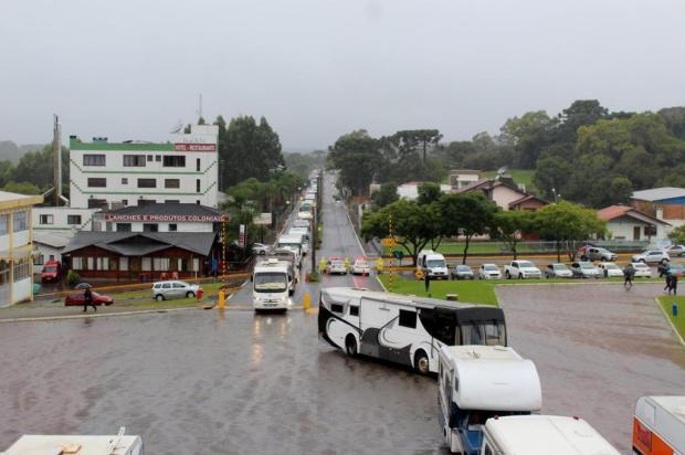 Mesmo com chuva forte 90 veículos participam de pré-romaria de Caravaggio Divulgação/Santuário de Nossa Senhora de Caravaggio