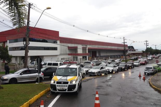 Movimentação intensa na Havan causou congestionamento na RSC-453, em Caxias Siliane Vieira/Agência RBS