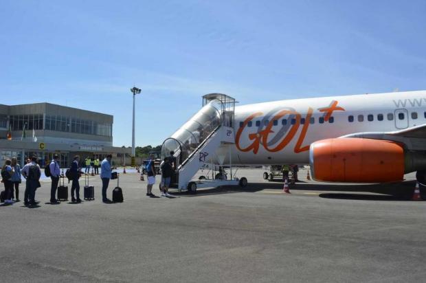 Após cancelamento de dois voos, aparelho atingido por raio é consertado no aeroporto de Caxias Leonardo Portella/Divulgação