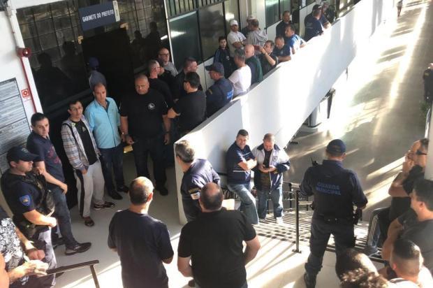 Guardas protestam por criação de lei e querem ser recebidos pelo prefeito Daniel Guerra Porthus Junior/Agencia RBS