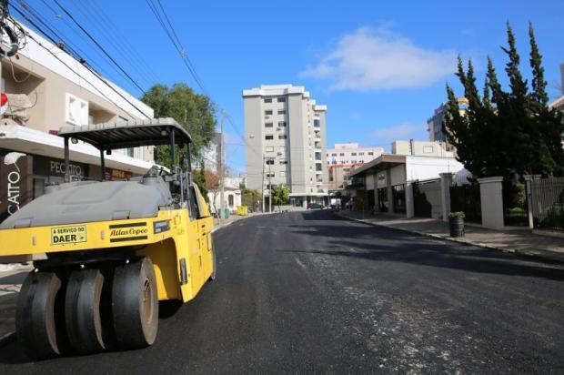 Obras de asfaltamento devem ser finalizadas até o final do mês, em Farroupilha Adroir Fotógrafo / Divulgação Prefeitura de Farroupilha /