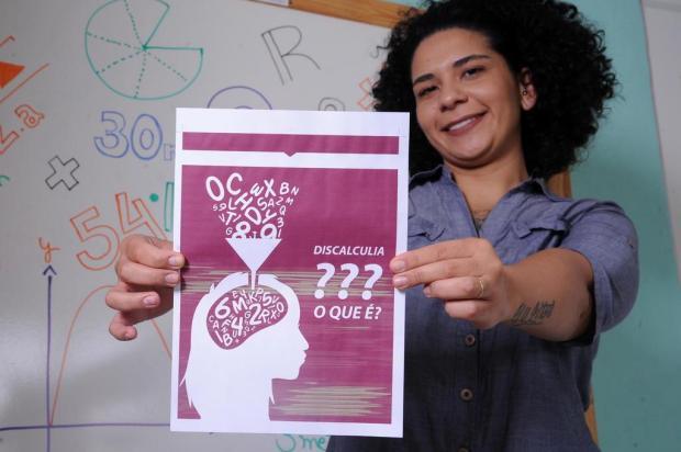 Cansada de sofrer, Manuela criou cartilha para mostrar por que não consegue aprender matemática Antonio Valiente/Agencia RBS