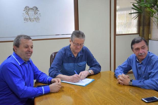 Presidente da Câmara de Caxias do Sul promulga projeto que facilita liberação de alvarás Pedro Rosano/Divulgação