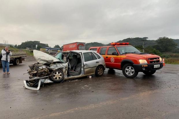 Idoso morre após colisão entre carro e caminhão na ERS-122, em Flores da Cunha André Fiedler/agencia RBS