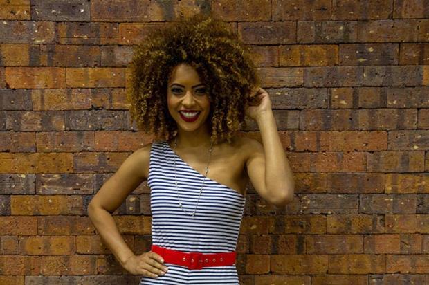 Modelo Karen Porfiro falará sobre cabelos afro em Caxias DANIEL DE TOMASI/Divulgação