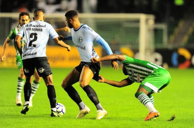 Jogadores do Juventude comemoram boa resposta do time contra o Grêmio Porthus Junior/Agencia RBS