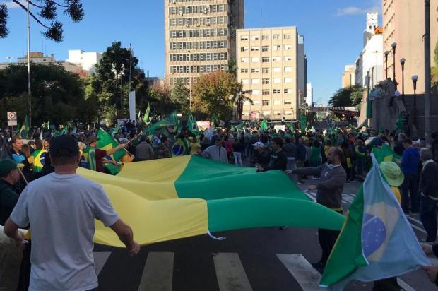 Manifestantes defendem Governo Bolsonaro em Caxias do Sul André Tajes/Agência RBS