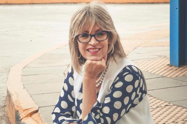 """Agenda: escritora caxiense Helô Bacichette lança """"Depois do Começo"""" neste sábado, no Zarabatana Café Tatieli Sperry/Divulgação"""