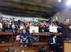Moradores do Monte Carmelo, em Caxias, lotam plenário da Câmara para cobrar regularização Daniel Corrêa/Divulgação