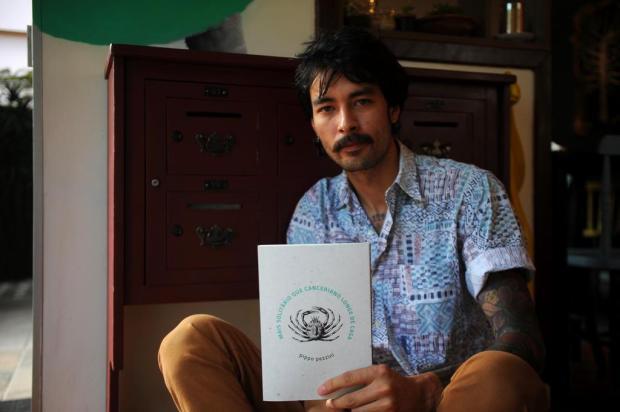 """Escritor Pippo Pezzini vence o prêmio Vivita Cartier com """"Mais Solitário que canceriano longe de casa"""" Felipe Nyland/Agencia RBS"""