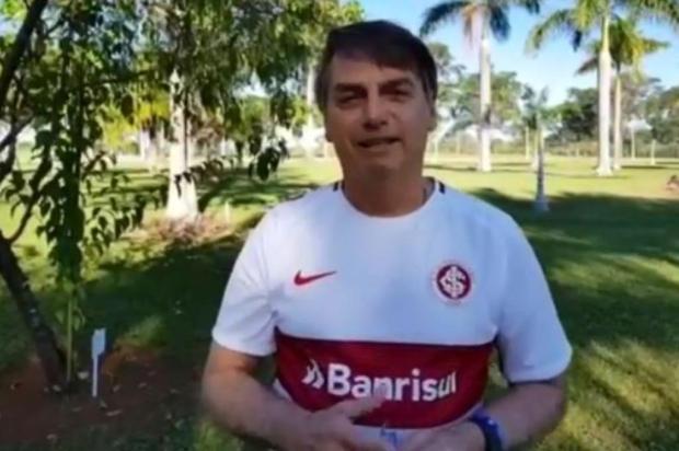 Presidente Jair Bolsonaro veste camiseta do Inter Instagram/Reprodução