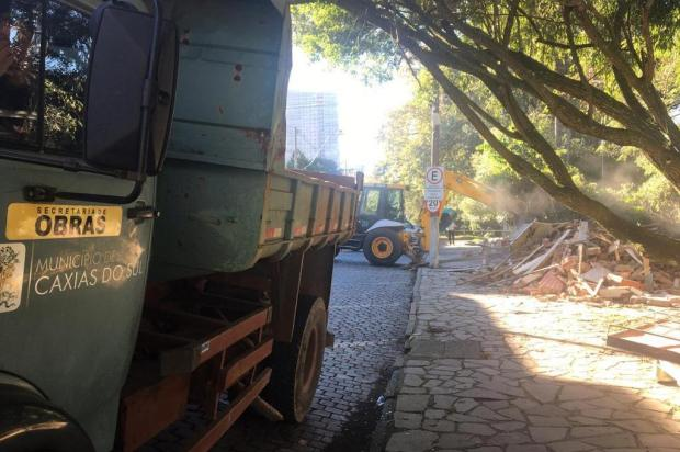 Lancheria do Parque dos Macaquinhos é demolida pela prefeitura de Caxias Milena Schäfer/Agência RBS