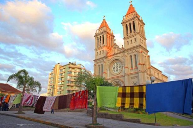 Varal Solidário doa roupas e cobertores em Farroupilha na sexta-feira Adroir Fotógrafo/Divulgação