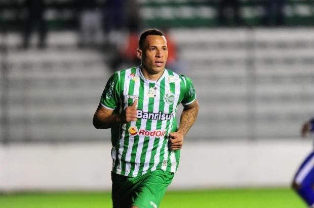 Atacante Breno pode se transferir para o Athletico-PR Porthus Junior/Agencia RBS