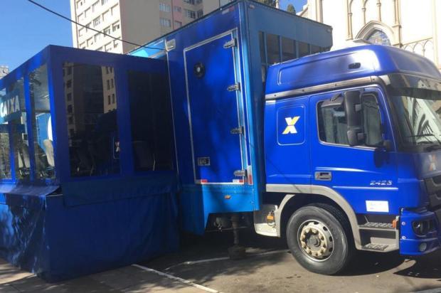 Caminhão da Caixa chega a Caxias para renegociação de dívidas Flavia Noal/Agência RBS