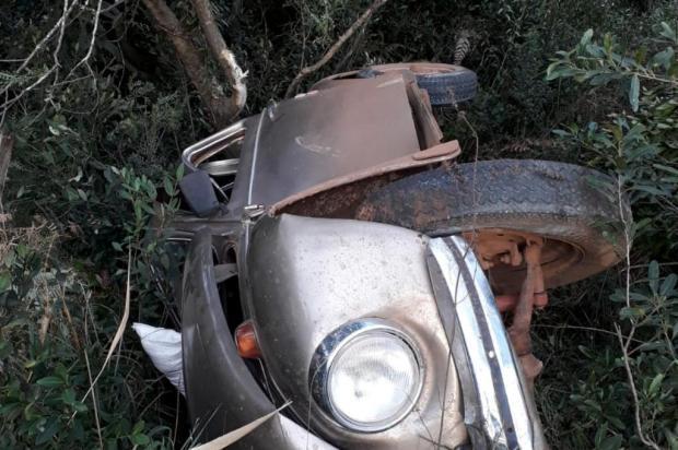 Motorista de 61 anos é preso por embriaguez após capotar carro na BR-285, em Vacaria PRF/Divulgação