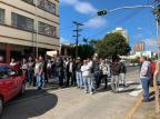 Motoristas de aplicativo protestam e bloqueiam rua no centro de Caxias do Sul André Fiedler / Agencia RBS/Agencia RBS