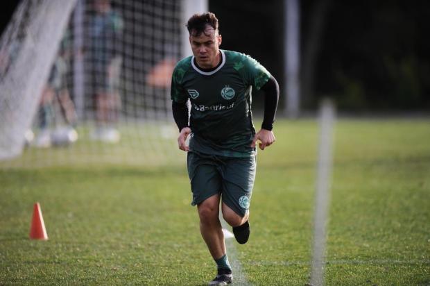 Dois armadores? Marquinhos testa Cajá e Denner juntos no Juventude Antonio Valiente/Agencia RBS