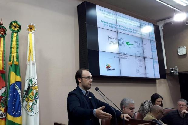 Vereador mostra carimbo em documento e contradiz prefeitura de Caxias Clever Moreira/Divulgação