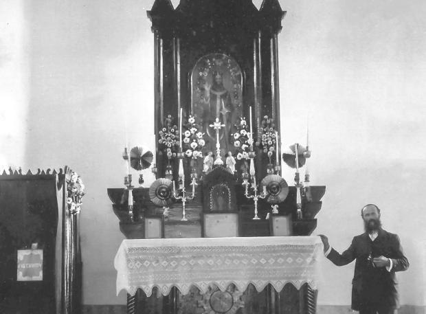 Francesco Lazzarotto e a capela da Linha São Maximiliano Acervo de família / divulgação/divulgação