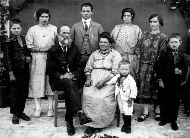 Família de Francesco Lazzarotto na década de 1920 Acervo de família / divulgação/divulgação