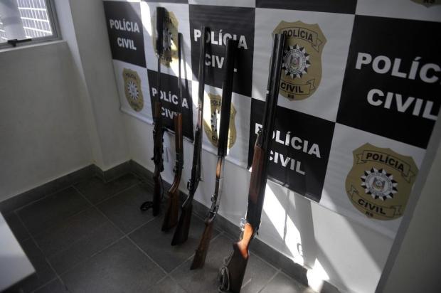 Duas pessoas são presas e 11 armas são apreendidas em operação contra abigeato e caça de animais silvestres em Caxias Lucas Amorelli/Agencia RBS