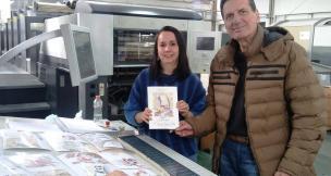 """Escritora Maristela Scheuer Deves prepara lançamento do livro """"O Baú dos Contos de Fadas"""" Vera Damian/Divulgação"""