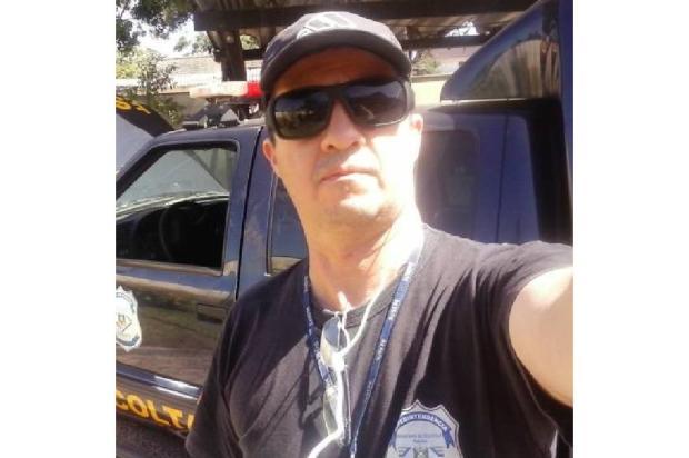 Agente penitenciário é flagrado com celulares em presídio de Caxias do Sul Reprodução/