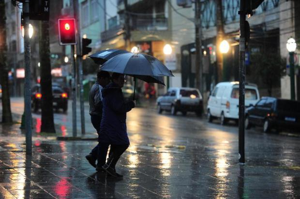 Chuva permanece e temperaturas seguem em queda nesta quarta-feira Porthus Junior/Agencia RBS