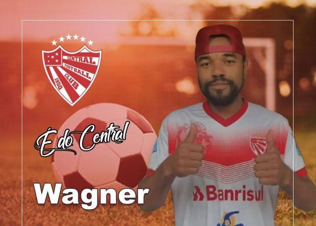 Meia Wagner, ex-Caxias, acerta com clube amador para a disputa da Taça Serramar Divulgação / Facebook, Central F.C./Facebook, Central F.C.