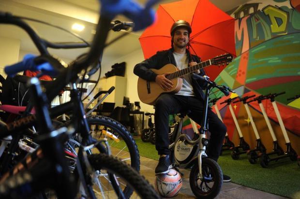 De chapinha a violão: serviço inovador em Gramado oferece aluguel de itens para a temporada Marcelo Casagrande/Agencia RBS