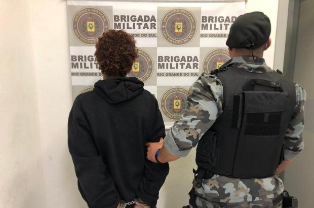 Mulher é presa por tráfico de drogas no bairro Esplanada em Caxias Brigada Militar/Divulgação