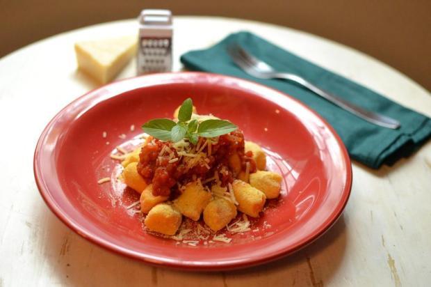 Na Cozinha: que tal começar a semana com nhoque de polenta? Aluísio Pinheiro/Destemperados