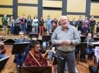 Vídeo: Maestro Manfredo Schmiedt convida para concerto da Osucs Reprodução/