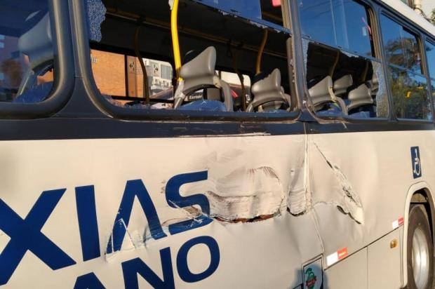Vestindo apenas cueca, homem furta ônibus do transporte coletivo, em Caxias Brigada Militar/divulgação