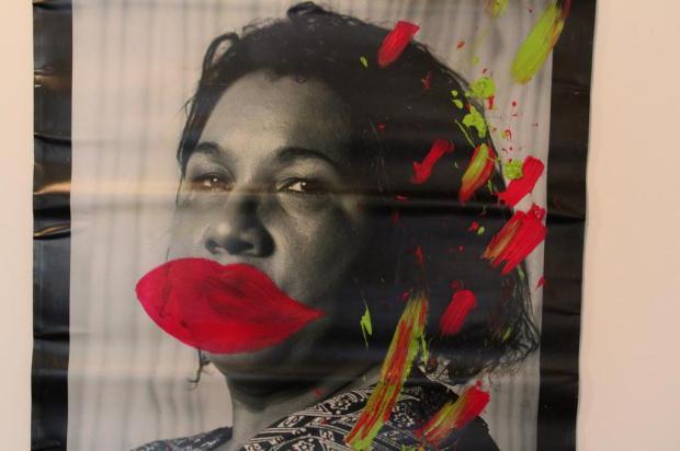 Exposição revela olhar sobre a violência sofrida por mulheres Jose Martim Estefanon/Divulgação