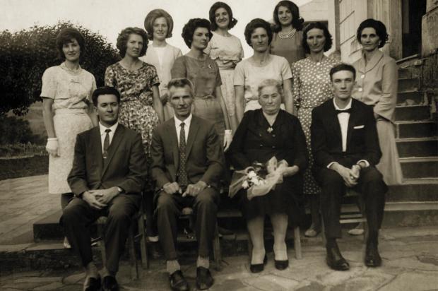 Família de Secondino Bonatto em Santa Lúcia do Piaí Fiorentino Cavalli / Acervo de Dusolina Bonatto, divulgação/Acervo de Dusolina Bonatto, divulgação